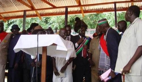Salva Kiir meets the members of the Dinka Council of elders 2015 Photo credit Moses Lomayat